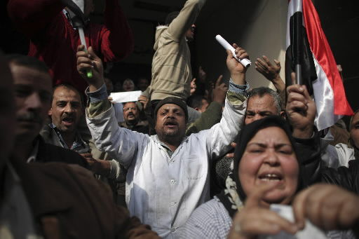 Spiraling protests bring Egypt crackdown threat