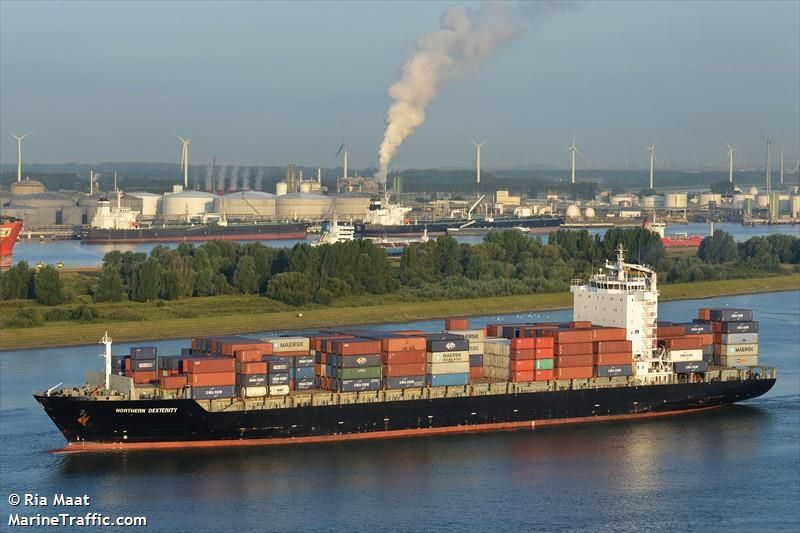 Container ship headed to Charleston diverted because of sick sailor
