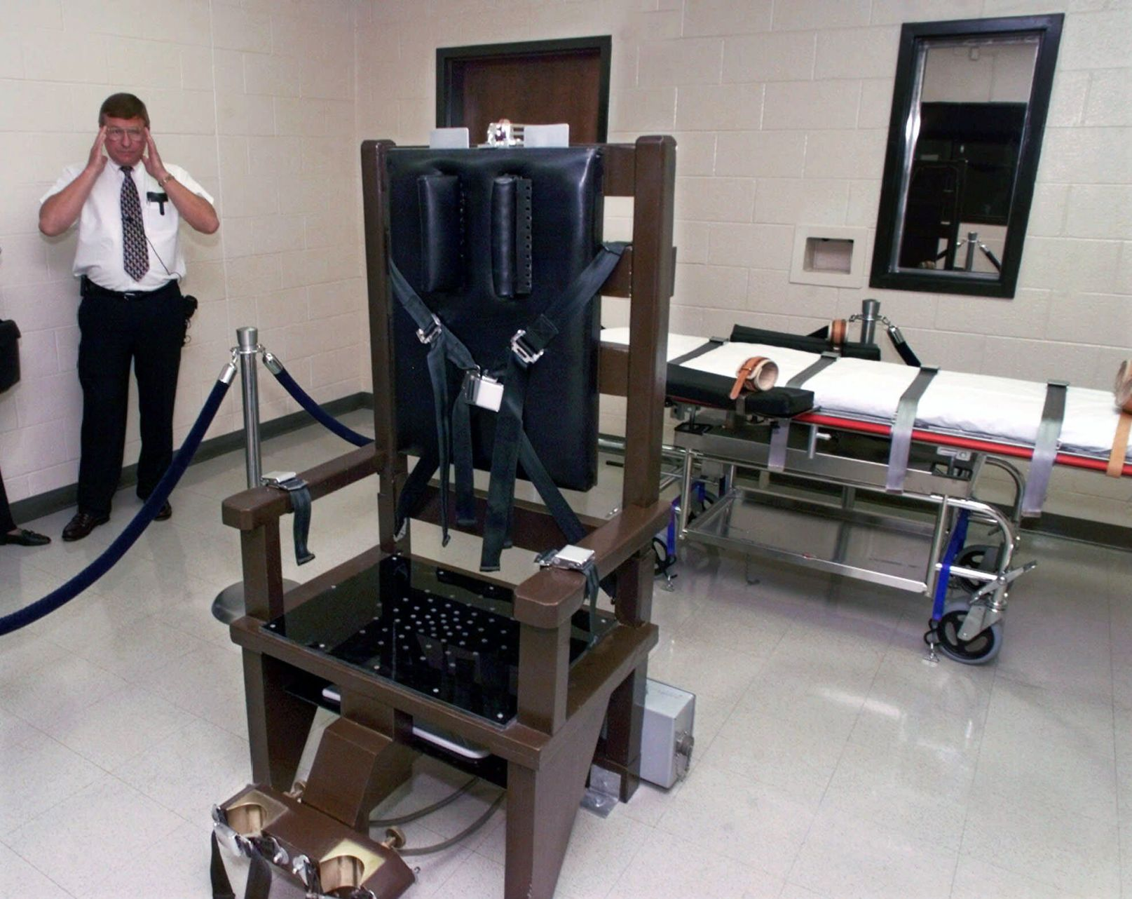 This is a Tennessee photo (copy) & Forcing death row inmates to the electric chair if drugs are ...
