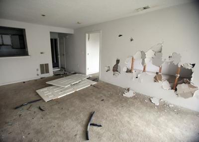 Apartment complex still sits vacant