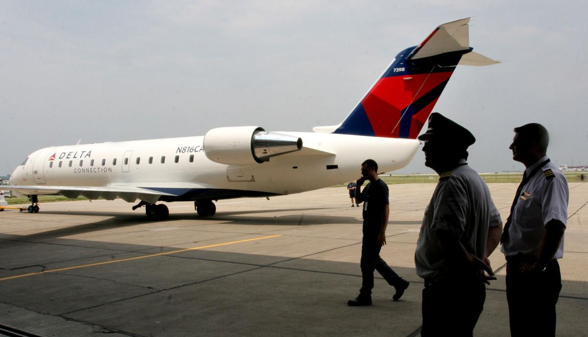 Delta shuts down Comair unit; workers given notice