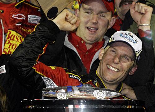 Earnhardt nearly pulls off Daytona surprise