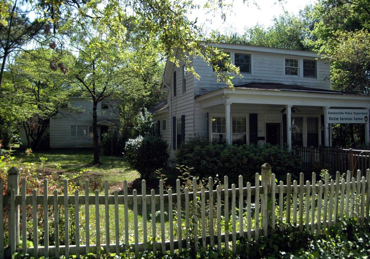 Summerville uncertain what to do with Finucan, Berry historic properties