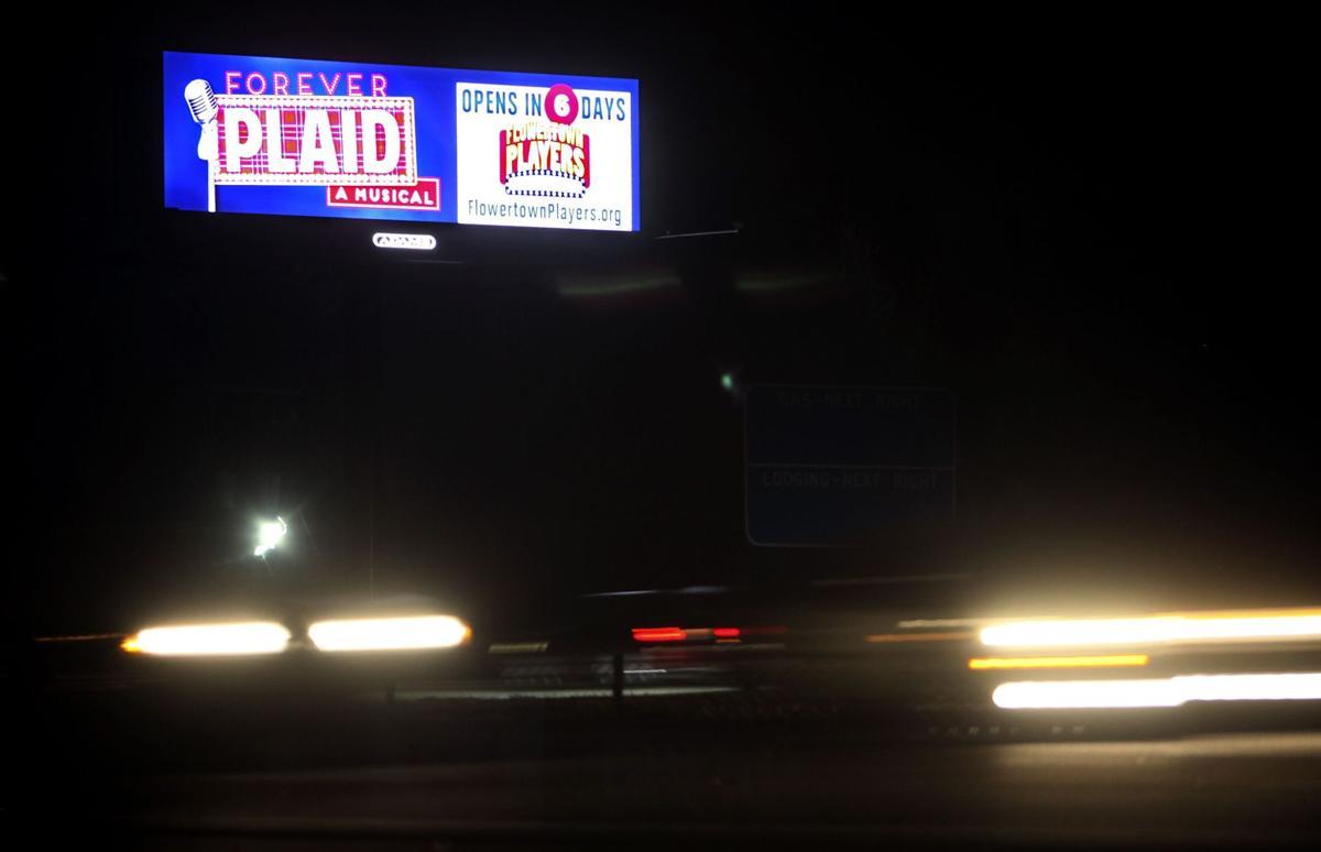 Huge distraction? Study: Digital billboards keep eyes off road (copy)