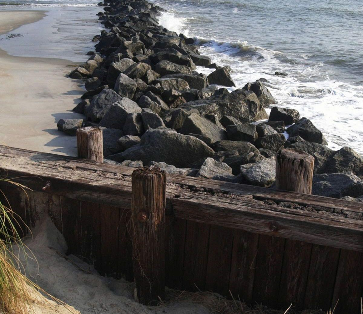 Limiting the use of groins and other erosion control devices is good for the coast