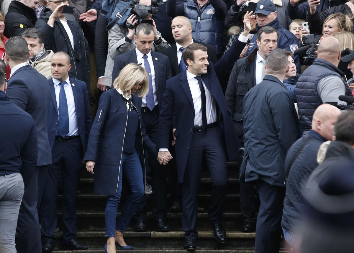 Centrist Emmanuel Macron Becomes France S Youngest President Nation World Postandcourier Com