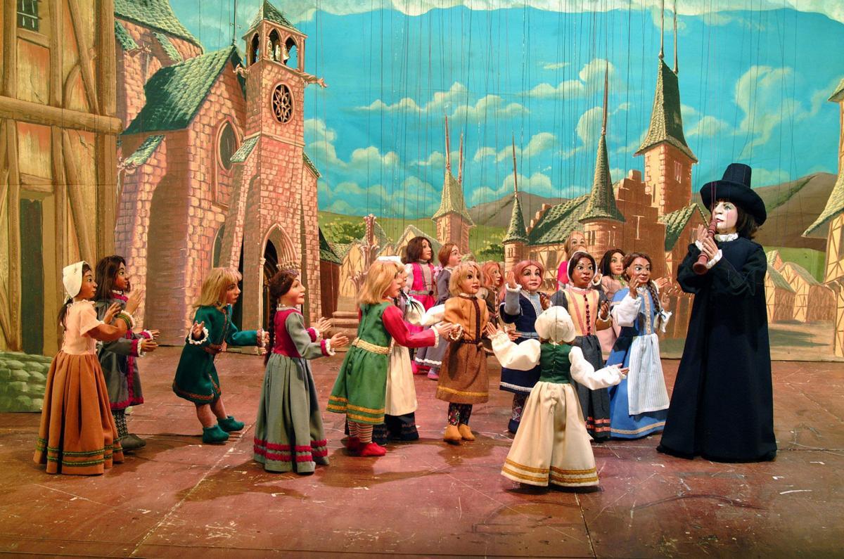 Carlo Colla and Sons Marionette Company Pied Piper