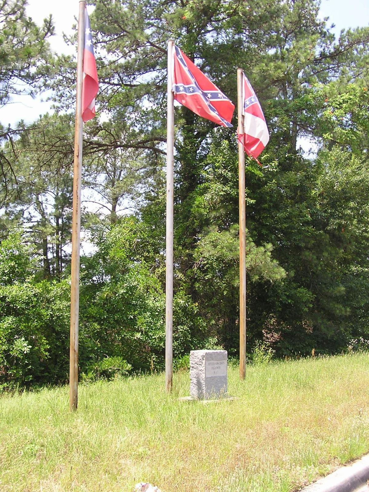 Lexington deputies search for stolen Confederate flags