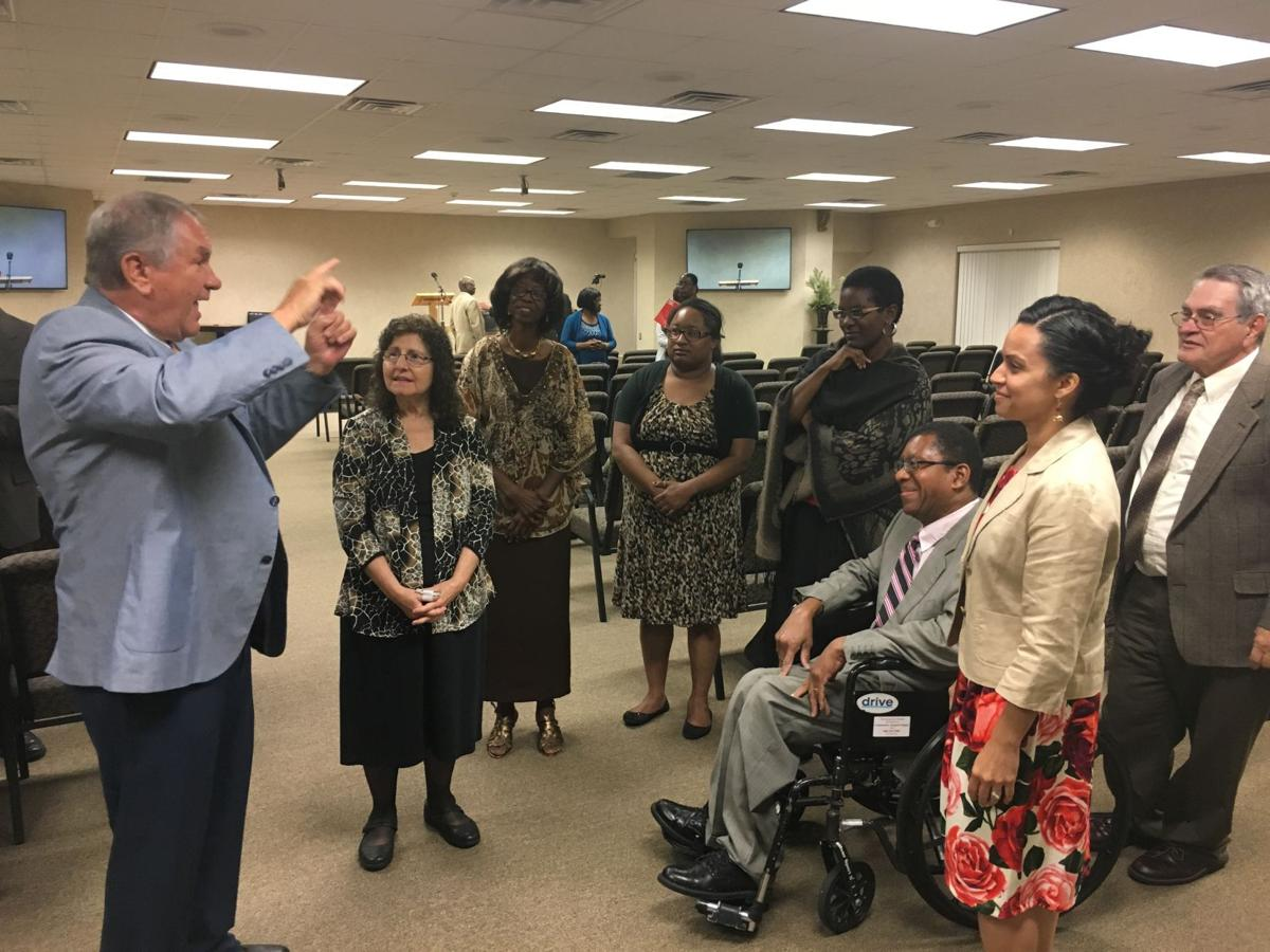 Jehovah's Witnesses minister to the deaf