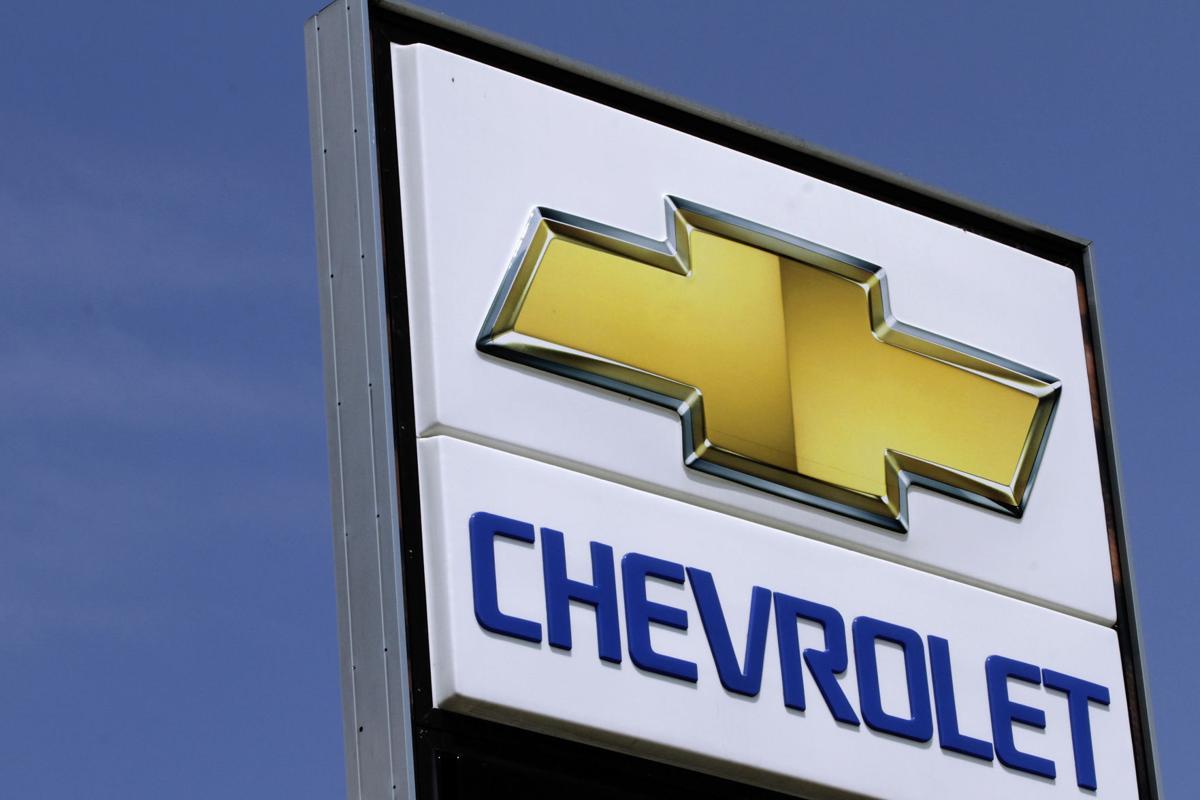 GM cuts European jobs, as earnings beat expectations