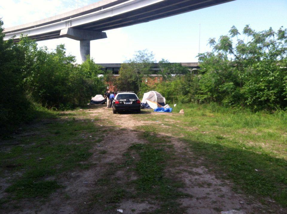 Charleston's Tent City now uninhabited