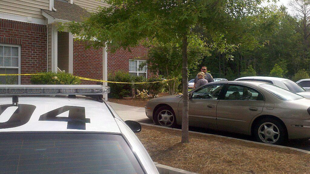 Dorchester deputies investigate shooting of man in Ladson-area apartment