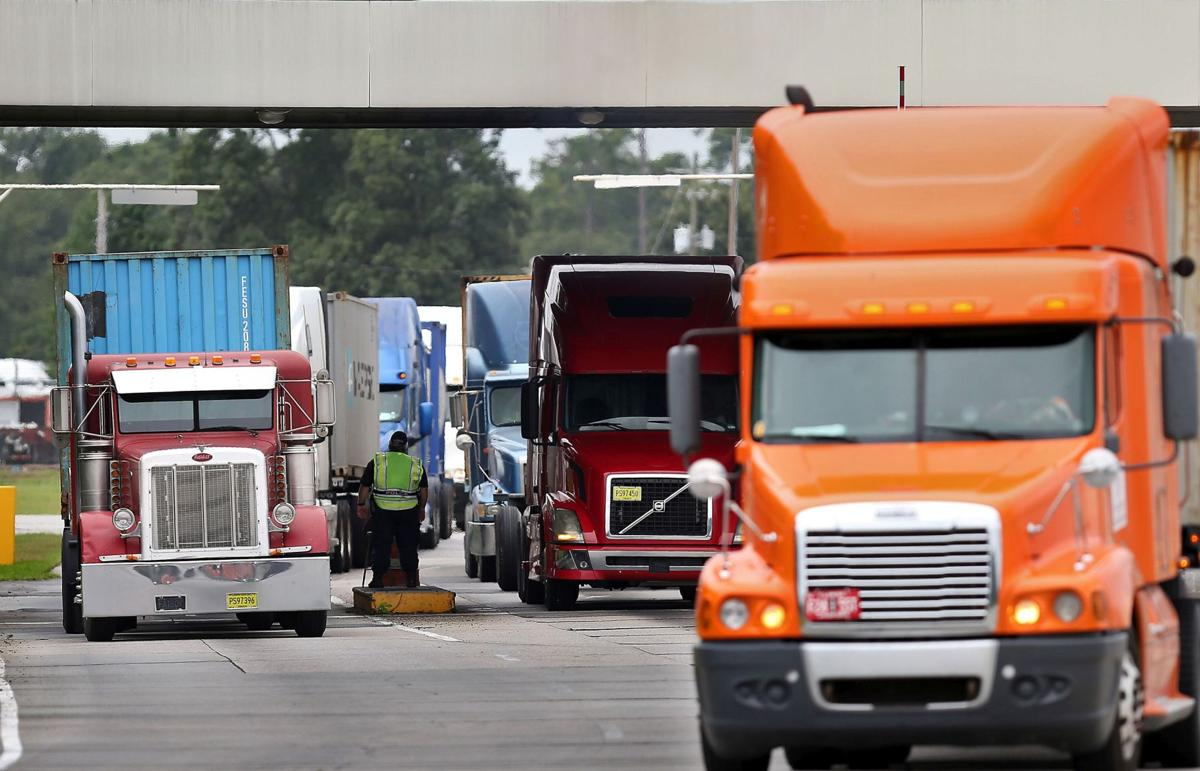 ROAD WOES Growing congestion threatens to choke port traffic, commerce (copy)