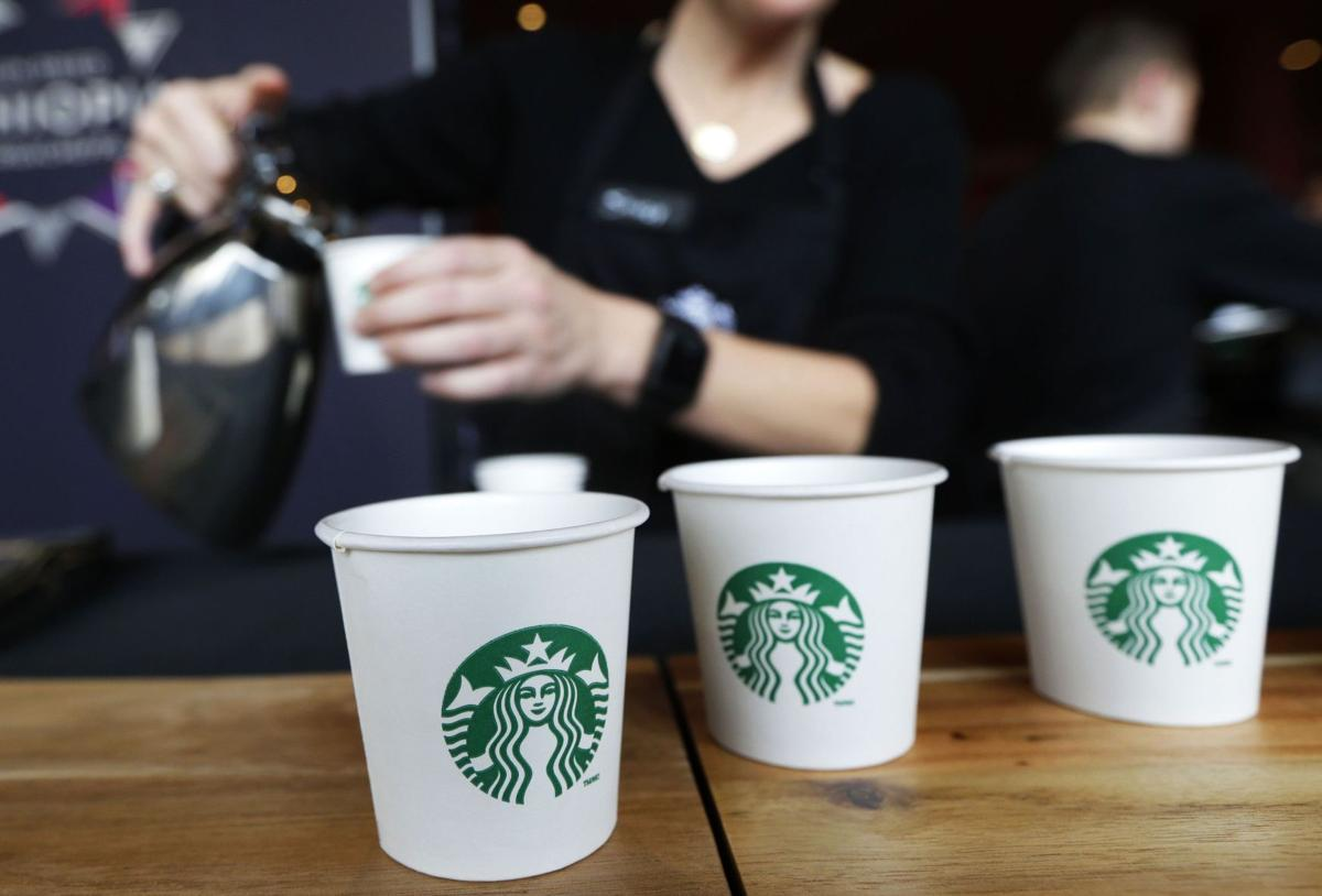 Starbucks eyes soda, lunch and more locations as US sales climb