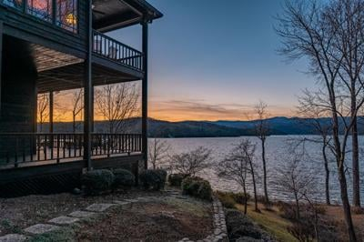 401 Eagle Nest Ct Lake Jocassee Justin Winter Realty