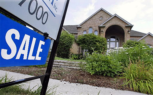 Mortgage rates fall to 4.44%