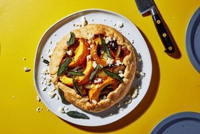An easy pumpkin tart spiffy enough for Thanksgiving