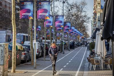 Barcelona takes hit as virus cancels tech show