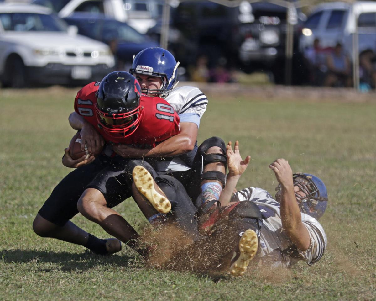 Perfect Raiders blitz winless Outlaws