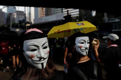 HK shuts down after night of violence