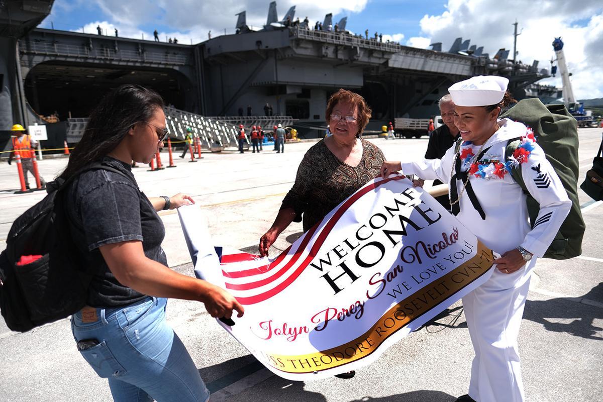 Thousands of aircraft carrier sailors visiting