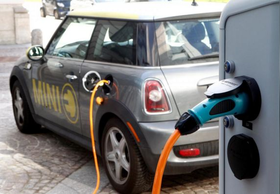 Silicon eyed to boost electric car battery