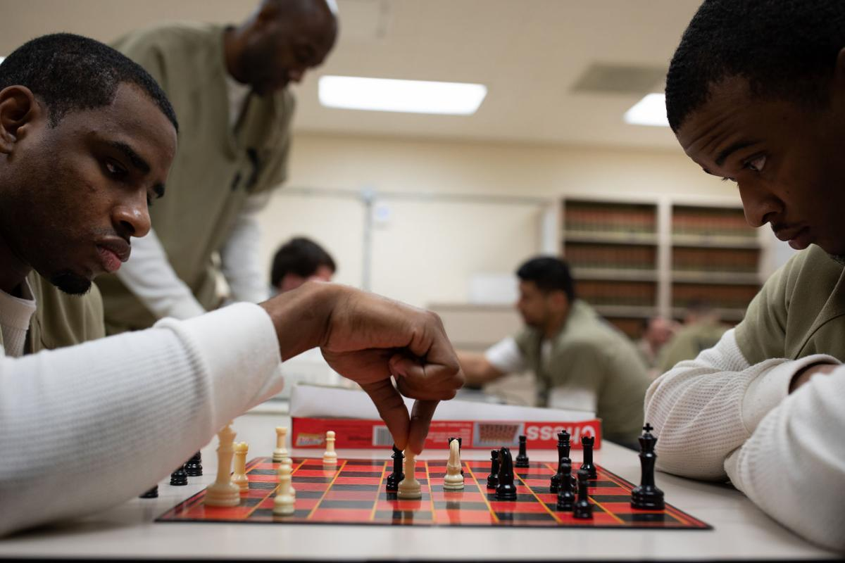 Online chess unites inmates around the world 1