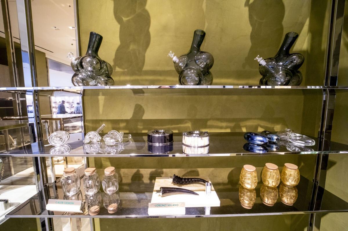 Pot users splurge on $800 bongs as stigmas fade 2