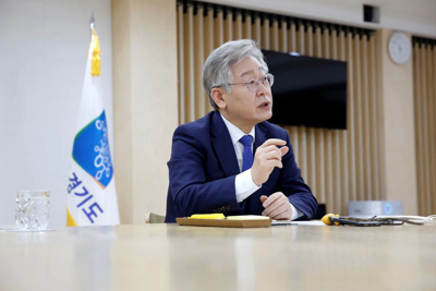 Lee tops SKorea polls with talk of universal basic income