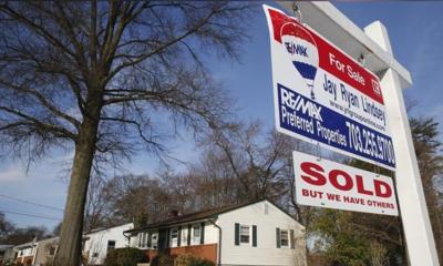 U.S. mortgage applications fall despite lower borrowing costs