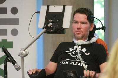 Ex-Saints safety Steve Gleason gets Congressional Gold Medal