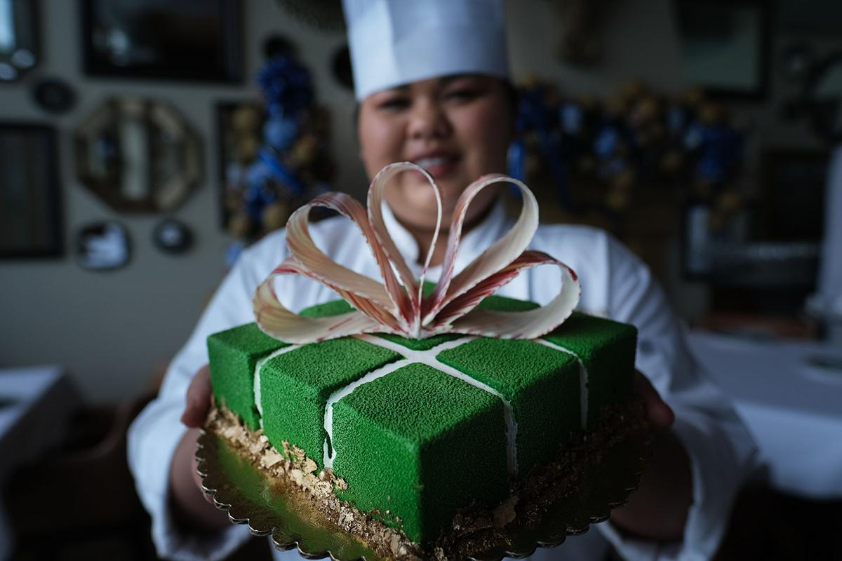 'Tis the season for Gourmet holiday pastries from Dusit Thani