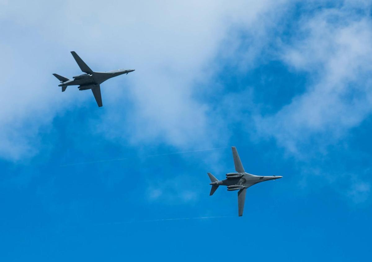 Six B-1 bombers arrive from South Dakota