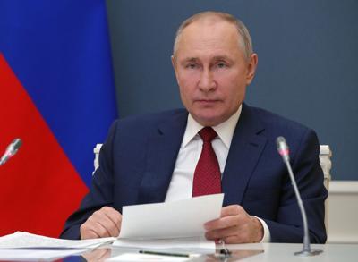 Putin warns US may regret using dollar as sanctions weapon