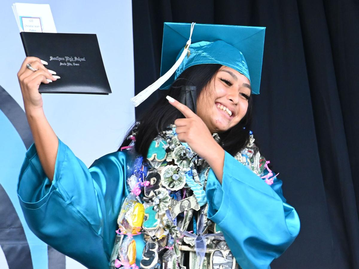 Southern HighDolphins celebrate graduation