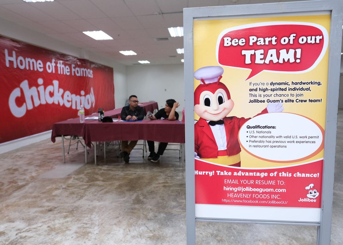 Hundreds apply for Jollibee jobs on Guam | Guam News | postguam com