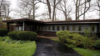 Owners apply to demolish Frank Lloyd Wright home in Illinois