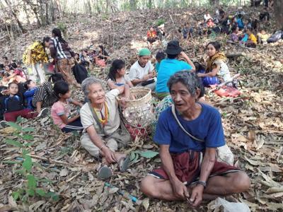 Myanmar insurgents warn of growing conflict as neighbors pressure junta