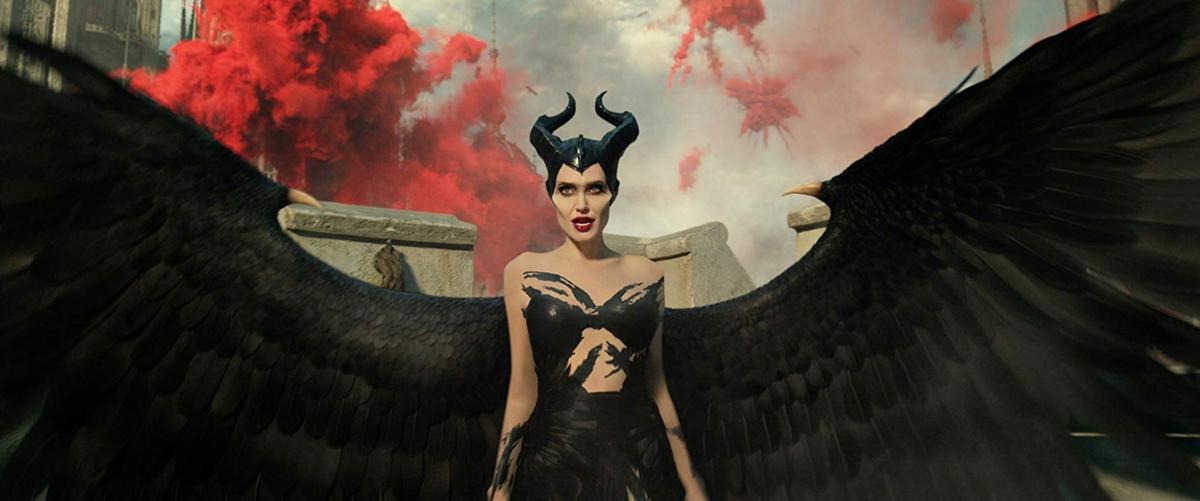 Jolie, Pfeiffer lock horns in 'Mistress of Evil'