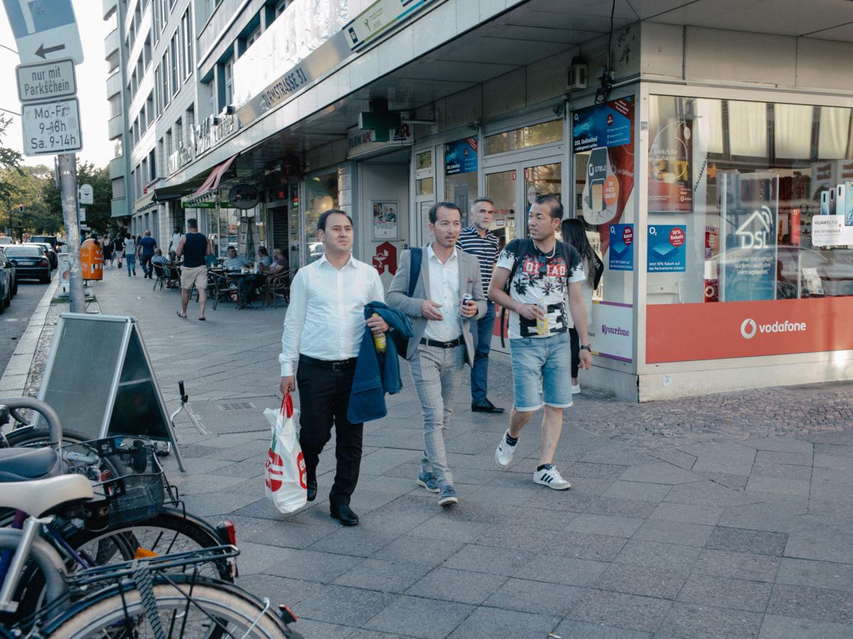 Wary German city warms to refugees