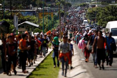 Image result for picture of 7000 migrants seeking refuge