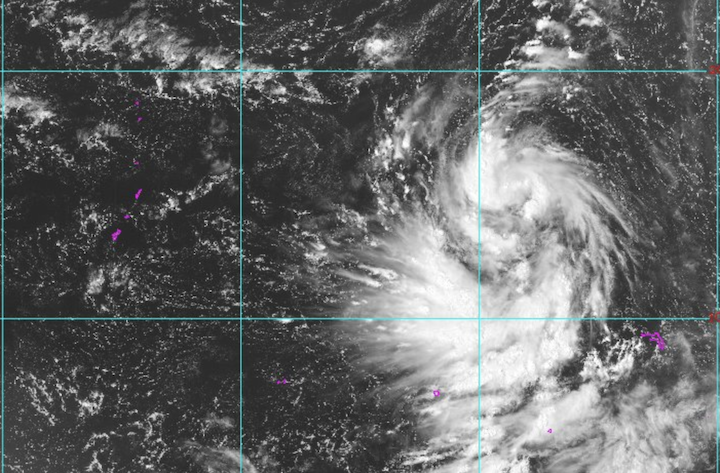 Weather system to bring thunderstorms, rough seas