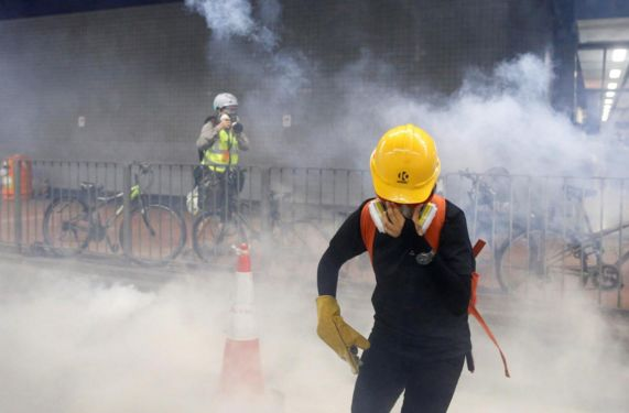 HK protesters remain undeterred as police ramp up response