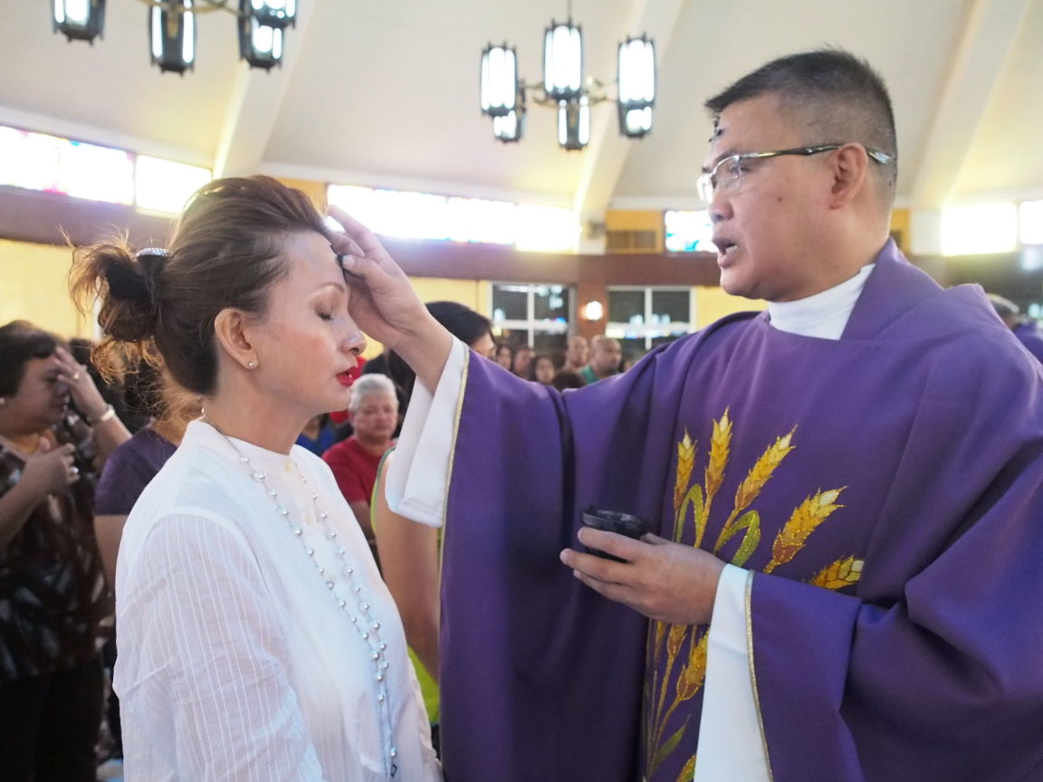 GALLERY: Ash Wednesday 2016