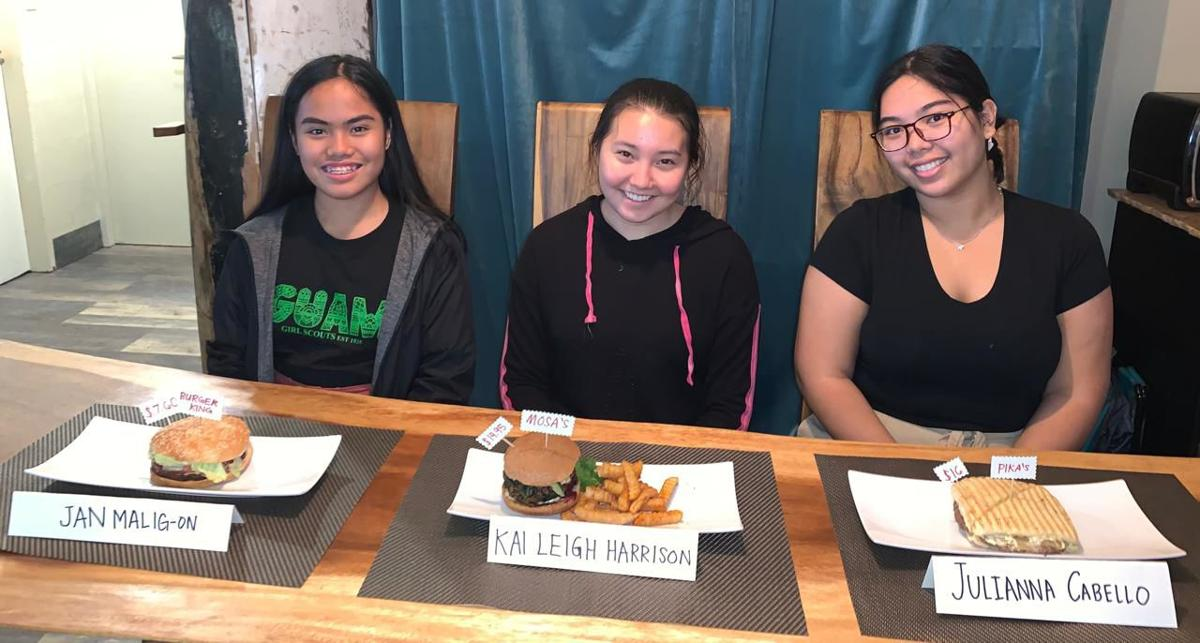 Teen reporters dig into meatless burgers