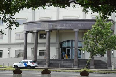 Drug defendant to remain free while awaiting trial