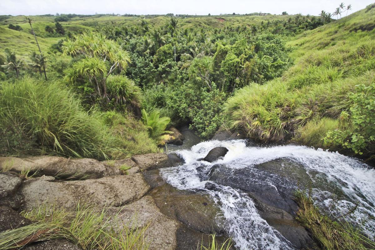 Ebb and flow through Laolao, Fintasa falls