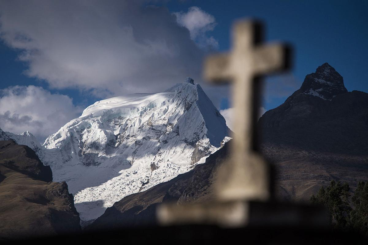 Melting glaciers leave Peru on thin ice