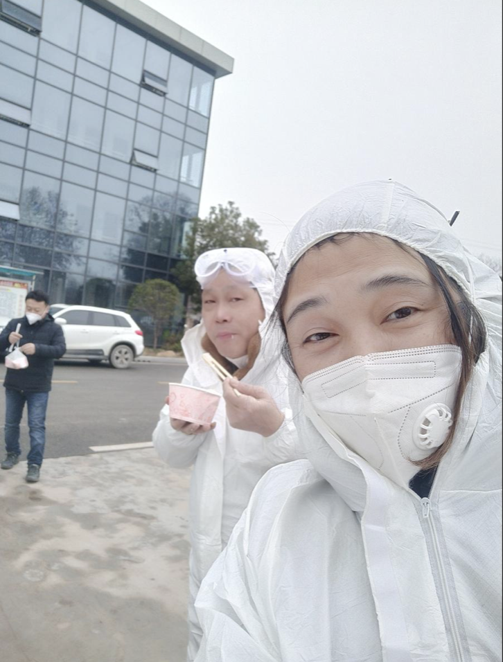 Volunteers keep Wuhan moving