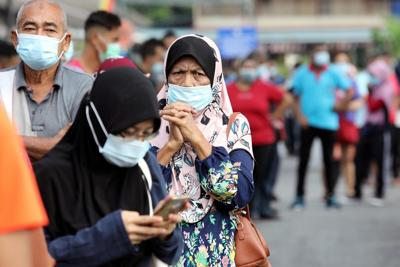 Malaysia's king declares state of emergency